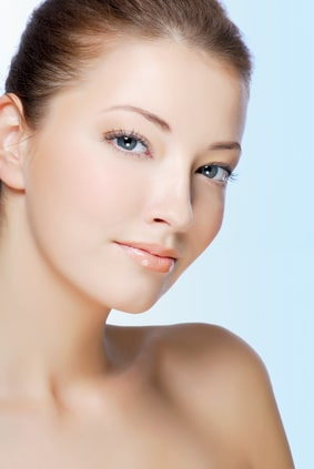 Rejuvenecimiento facial con hilos -cuello-